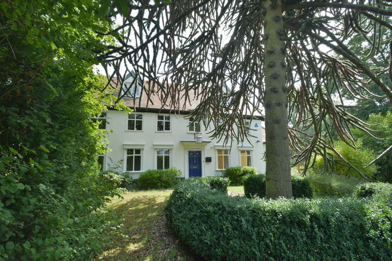 5 Bedrooms Detached House for sale in Mount Street, Diss