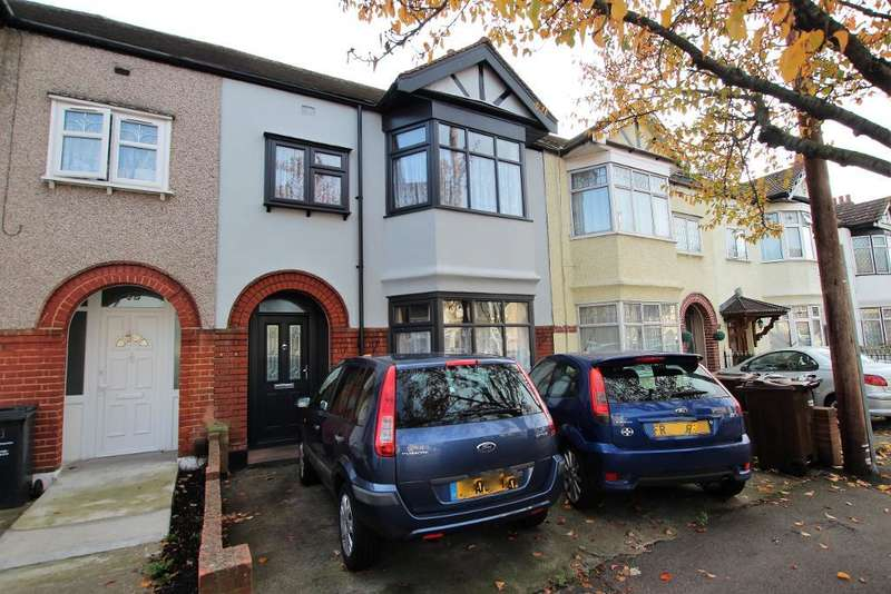 3 Bedrooms Terraced House for sale in Felhurst Crescent, Dagenham, Essex, RM10 7XT