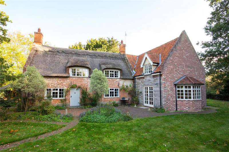 4 Bedrooms Detached House for sale in Thrigby Road, Filby, Norfolk, NR29