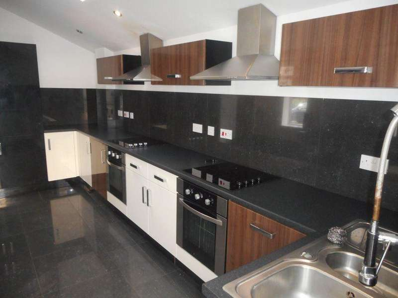 8 Bedrooms House for rent in Woodville Road, Cathays (8 Beds)