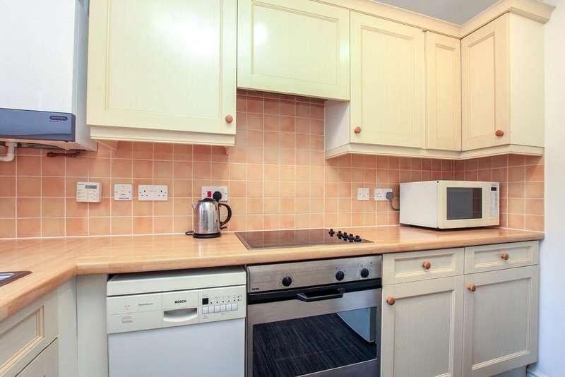 2 Bedrooms Terraced House for sale in Turners Walk, Chesham, Buckinghamshire, HP5