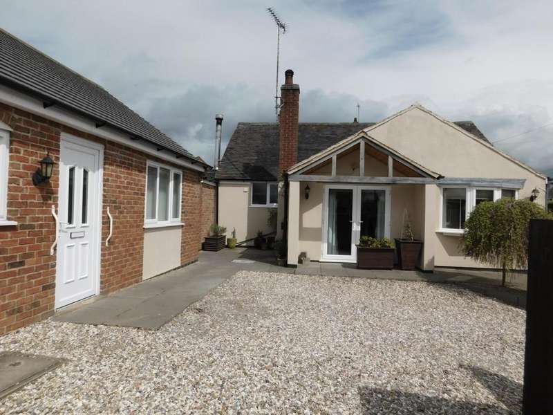 3 Bedrooms Bungalow for sale in Woodville Road, Hartshorne, DE11