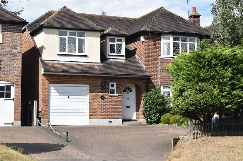 4 Bedrooms Detached House for sale in Roxwell Road, Chelmsford