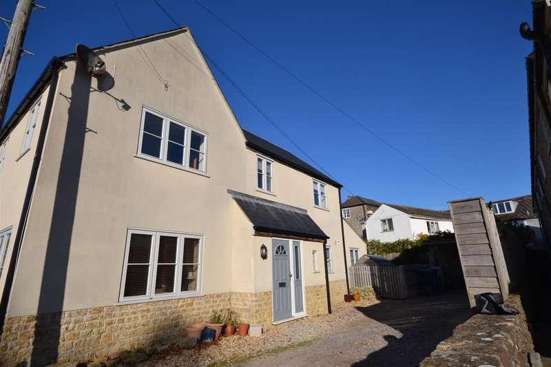 3 Bedrooms Detached House for sale in Normandy Way, Bridport