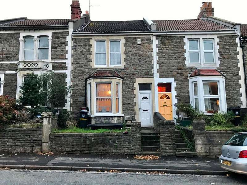 3 Bedrooms Terraced House for sale in Thicket Road