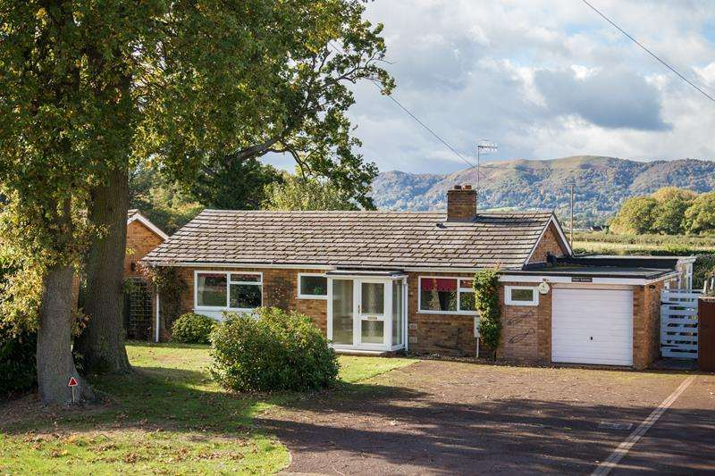 3 Bedrooms Bungalow for sale in High Roding, Worcester Road, Hanley Swan, Malvern, WR8 0EA