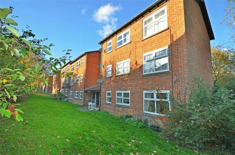 2 Bedrooms Flat for sale in Nursery Hill, WELWYN GARDEN CITY, Hertfordshire