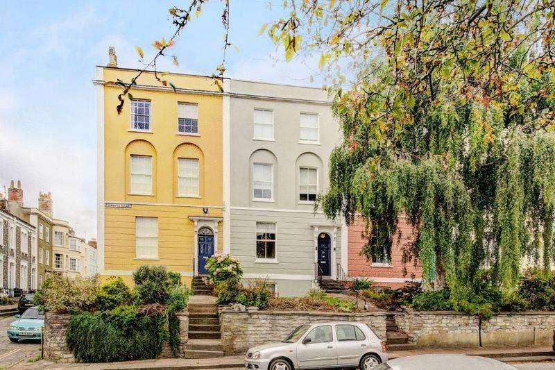 4 Bedrooms Semi Detached House for sale in Fremantle Square, Kingsdown