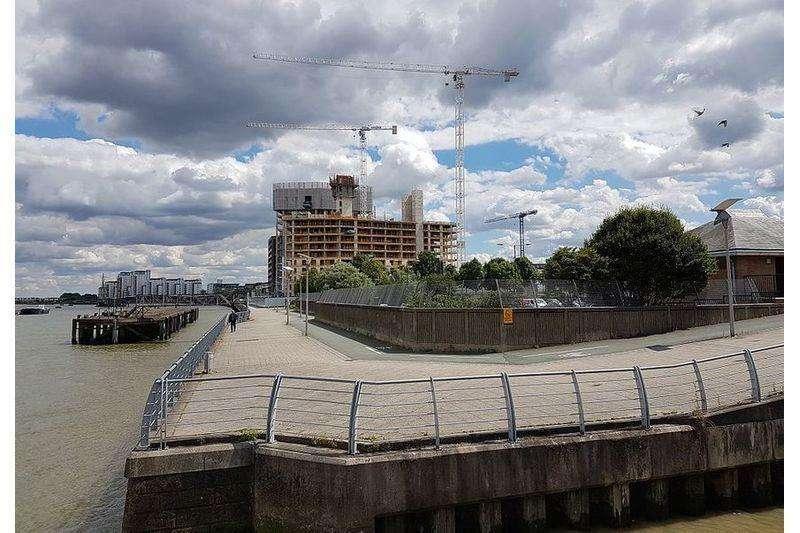 2 Bedrooms Flat for sale in Royal Arsenal Riverside, 2 Duke of Wellington Avenue, Woolwich, London