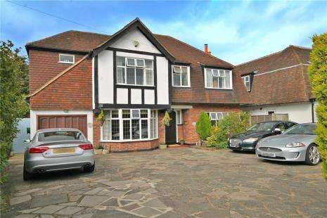 5 Bedrooms Detached House for sale in Downs Wood, Epsom