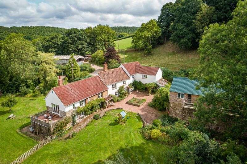 5 Bedrooms Property for sale in Nymet Rowland, Crediton