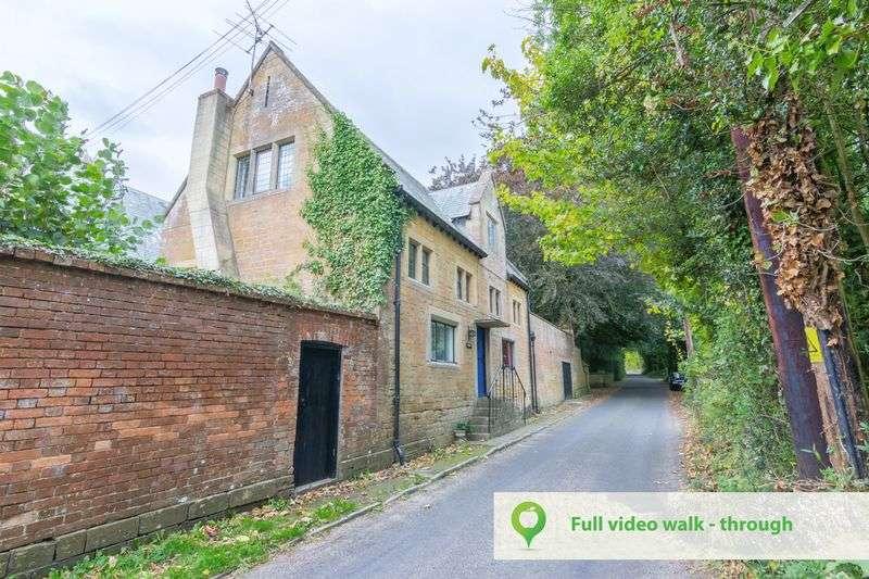 3 Bedrooms Property for sale in Moorlands Road, Merriott