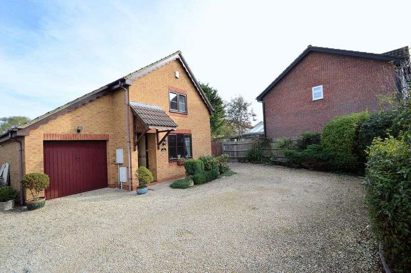 3 Bedrooms Property for sale in Horsecastle Farm Road, Yatton