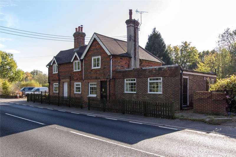 6 Bedrooms Detached House for sale in London Road, Hurst Green