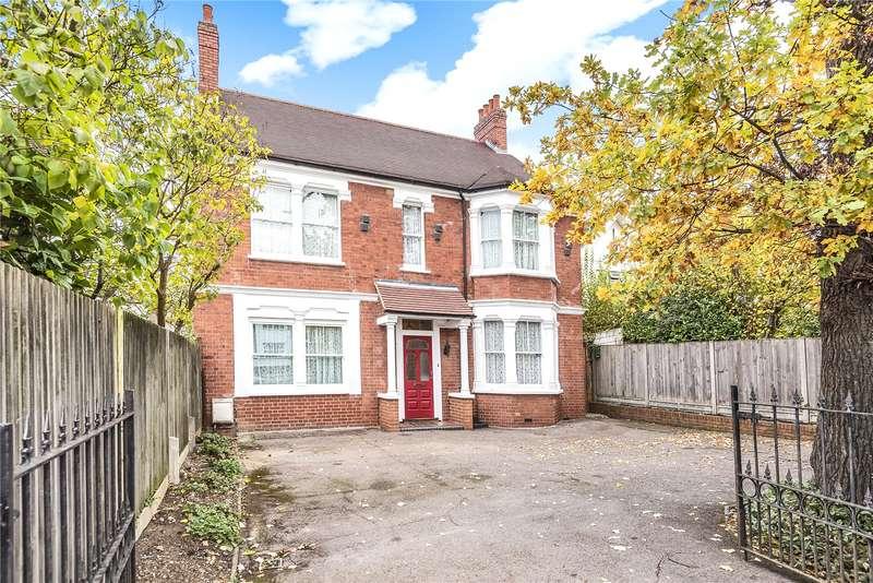 4 Bedrooms Detached House for sale in Uxbridge Road, Harrow, Middlesex, HA3
