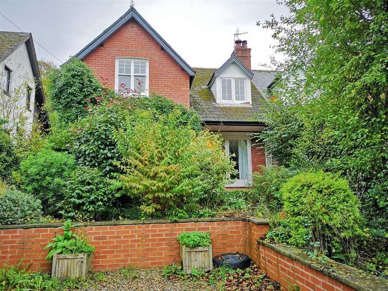 3 Bedrooms Semi Detached House for sale in Llandre, Bow Street