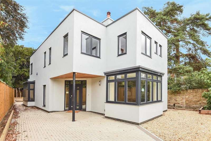 4 Bedrooms Detached House for sale in High Street, Hampton