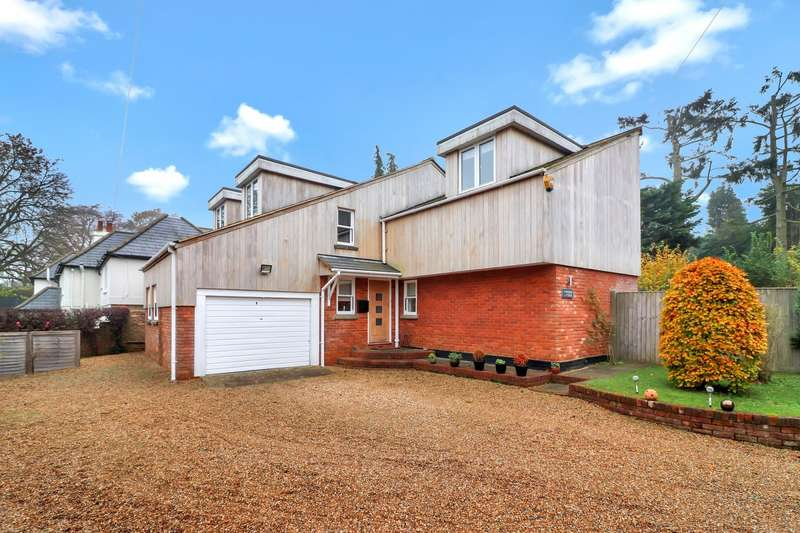 4 Bedrooms Detached House for sale in Church Road, Penn, HP10