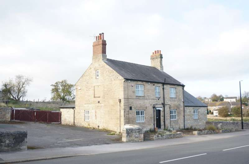 4 Bedrooms Detached House for sale in Main Street North, Aberford, LS25