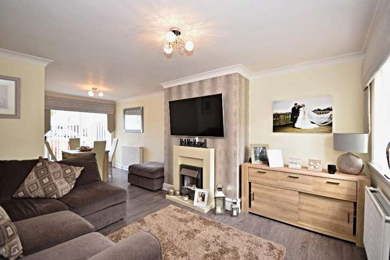 2 Bedrooms Terraced House for sale in Loch Road, Mauchline, East Ayrshire, KA5 6EE