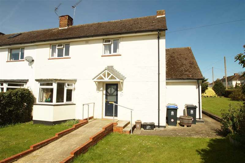 3 Bedrooms Semi Detached House for sale in The Green, Burnham