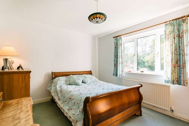 5 Bedrooms Bungalow for sale in Glenmore, Clayton-le-Woods, Chorley, PR6