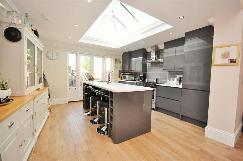 3 Bedrooms Town House for sale in Fulford Road, York YO10 4BE