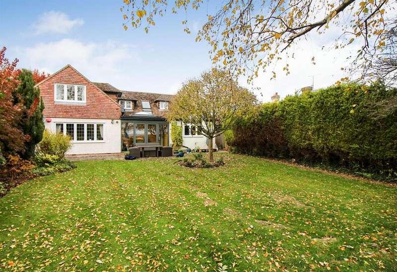 4 Bedrooms Detached House for sale in Bierton, Aylesbury