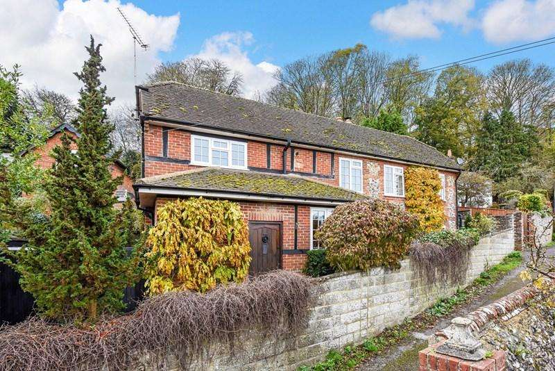3 Bedrooms Detached House for sale in Lynch Hill, Whitchurch