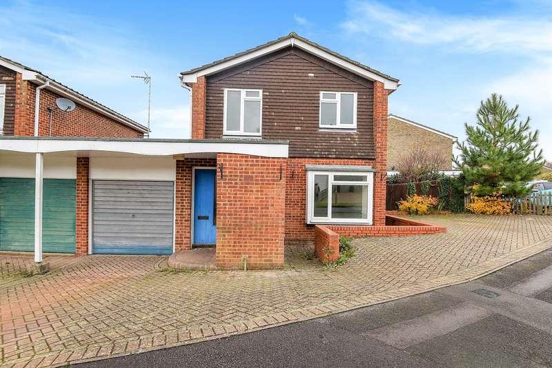3 Bedrooms Link Detached House for sale in Turner Close, Black Dam, Basingstoke, RG21