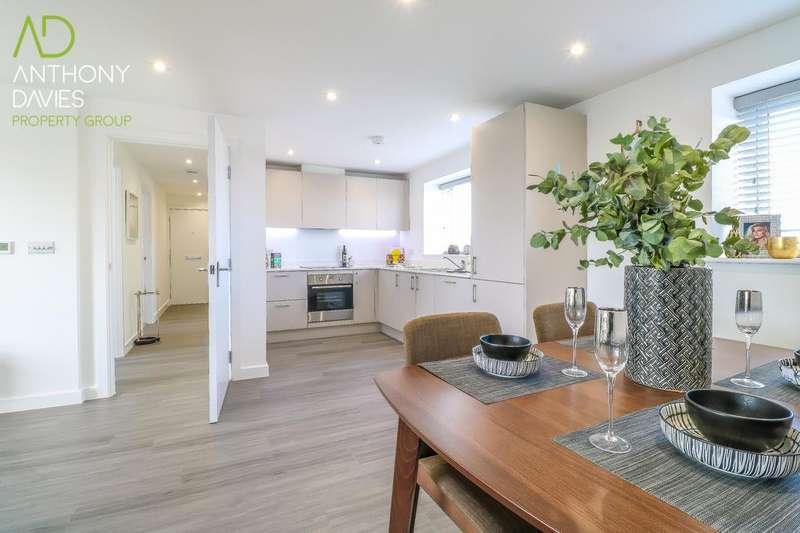 2 Bedrooms Penthouse Flat for sale in Lampits, Hoddesdon, EN11
