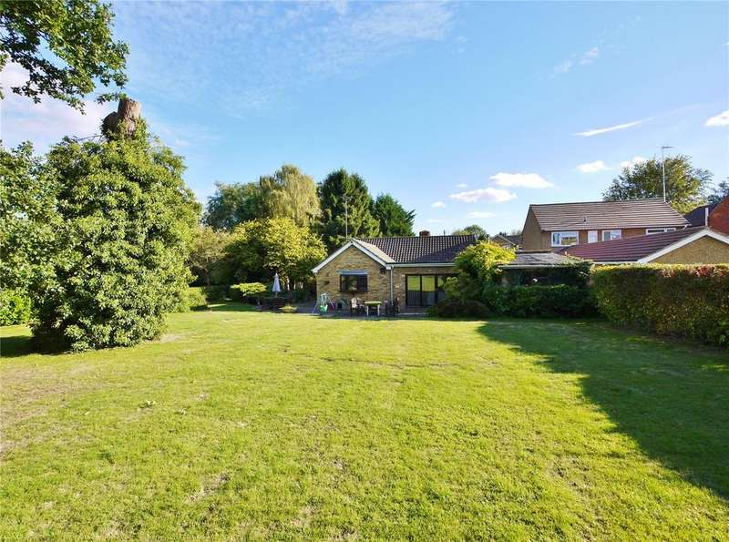 4 Bedrooms Bungalow for sale in Brook Lane, Doddinghurst, Brentwood, Essex, CM15
