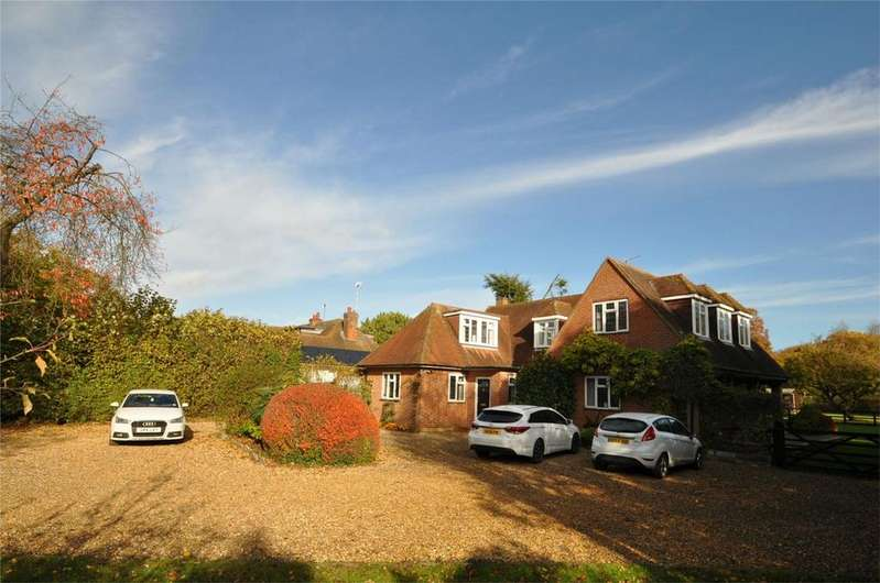 4 Bedrooms Detached House for sale in Appletrees, Pottersheath Road, WELWYN, Hertfordshire