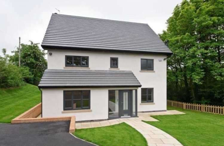 5 Bedrooms Detached House for sale in Shakerley Lane, Manchester