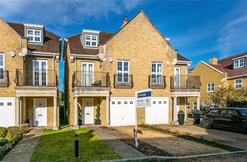 4 Bedrooms Semi Detached House for sale in Kingsway Mews, Farnham Common, Buckinghamshire, SL2