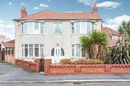 3 Bedrooms Detached House for sale in Chatsworth Avenue, Blackpool, Lancashire, ., FY2