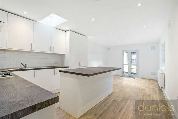 3 Bedrooms Flat for sale in Connaught Road, Harlesden, London