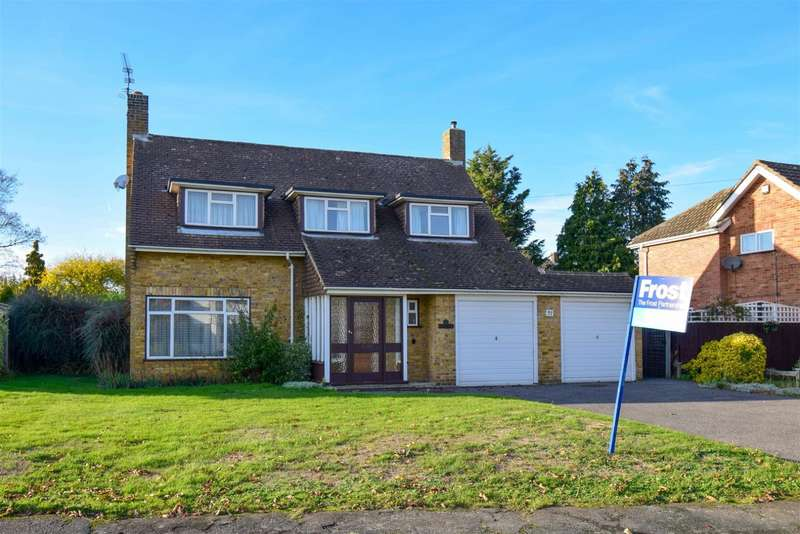 3 Bedrooms Detached House for sale in The Fairway, Burnham, Slough, SL1