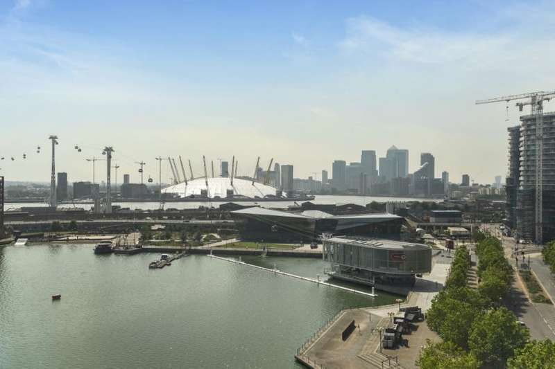 3 Bedrooms Flat for sale in Balearic Apartments, 15 Western Gateway, Royal Victoria Dock, London