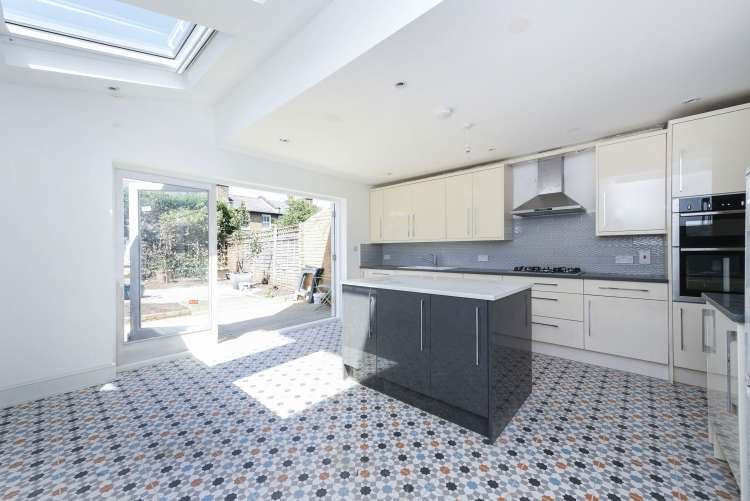 4 Bedrooms Terraced House for sale in Taunton Road Lee SE12