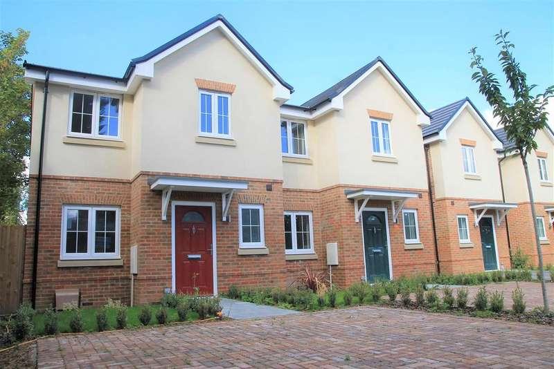 3 Bedrooms Semi Detached House for sale in Bridgeman Drive, Windsor
