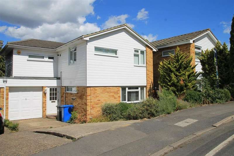 4 Bedrooms Detached House for sale in Wolf Lane, Windsor