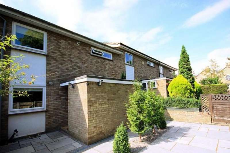 3 Bedrooms Terraced House for sale in West Drive, Arlesey, Beds, SG15 6RW