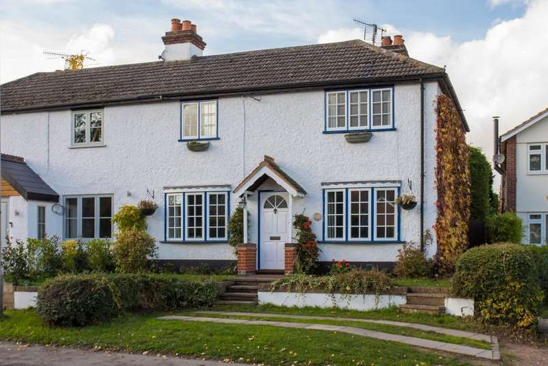 3 Bedrooms Semi Detached House for sale in Town Lane, Wooburn Green,
