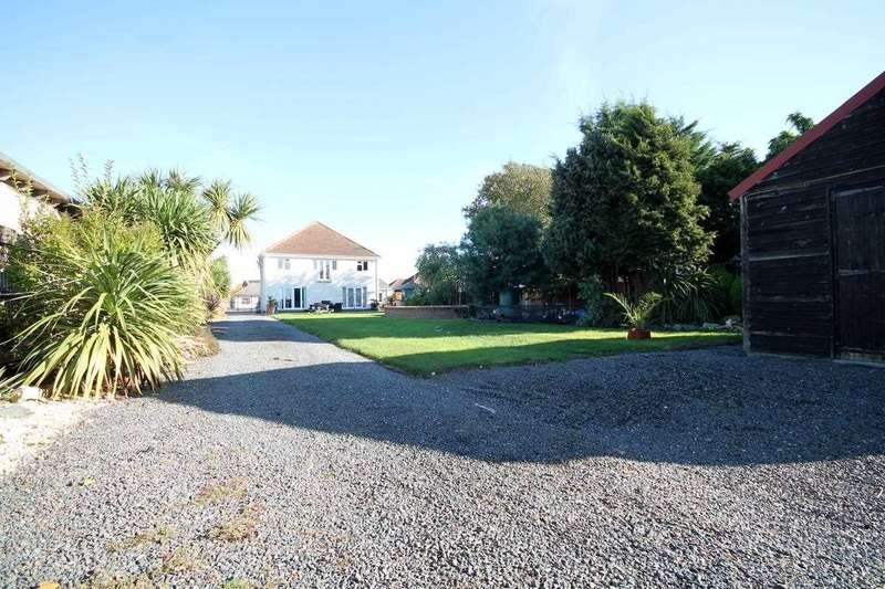 6 Bedrooms House for sale in Jaywick Lane, Clacton on Sea