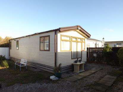 2 Bedrooms Mobile Home for sale in Oxcliffe Road, Heaton With Oxcliffe, Morecambe, Lancashire, LA3