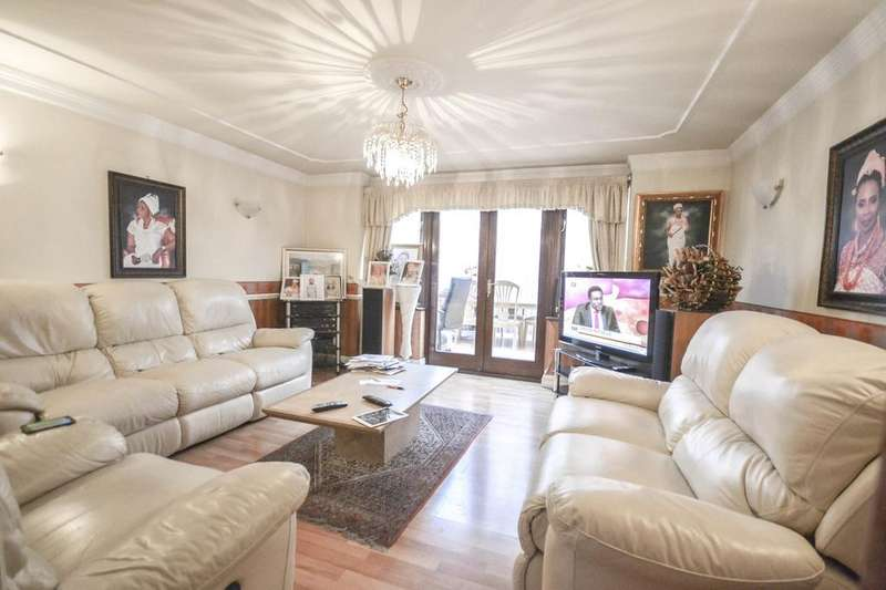 4 Bedrooms Terraced House for sale in Rainbow Avenue, London, E14