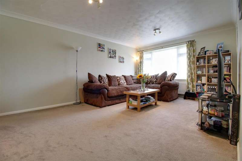 2 Bedrooms Maisonette Flat for sale in Kennedy Drive, Pangbourne