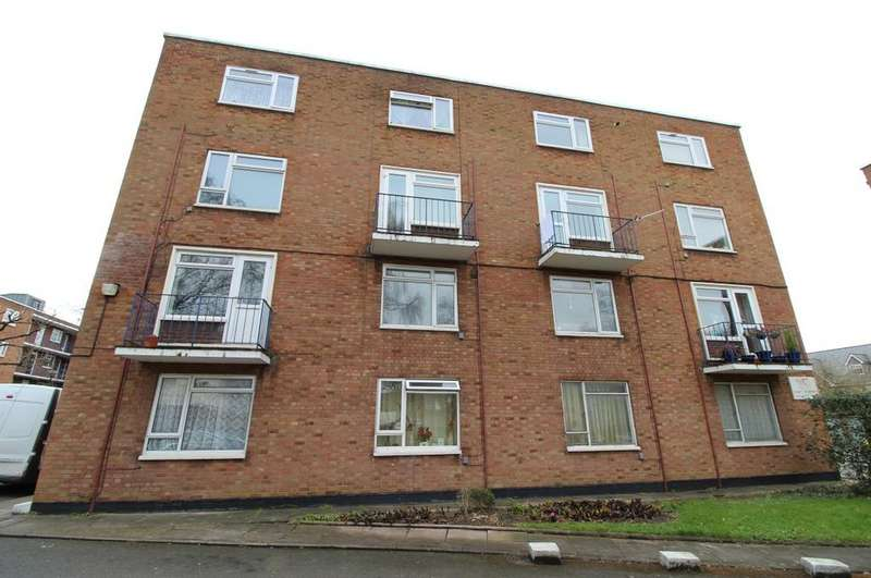 Studio Flat for sale in Viceroy Court, Dunstable