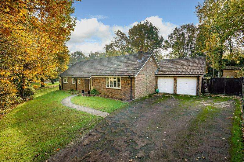 3 Bedrooms Detached Bungalow for sale in Woodland Rise, Studham